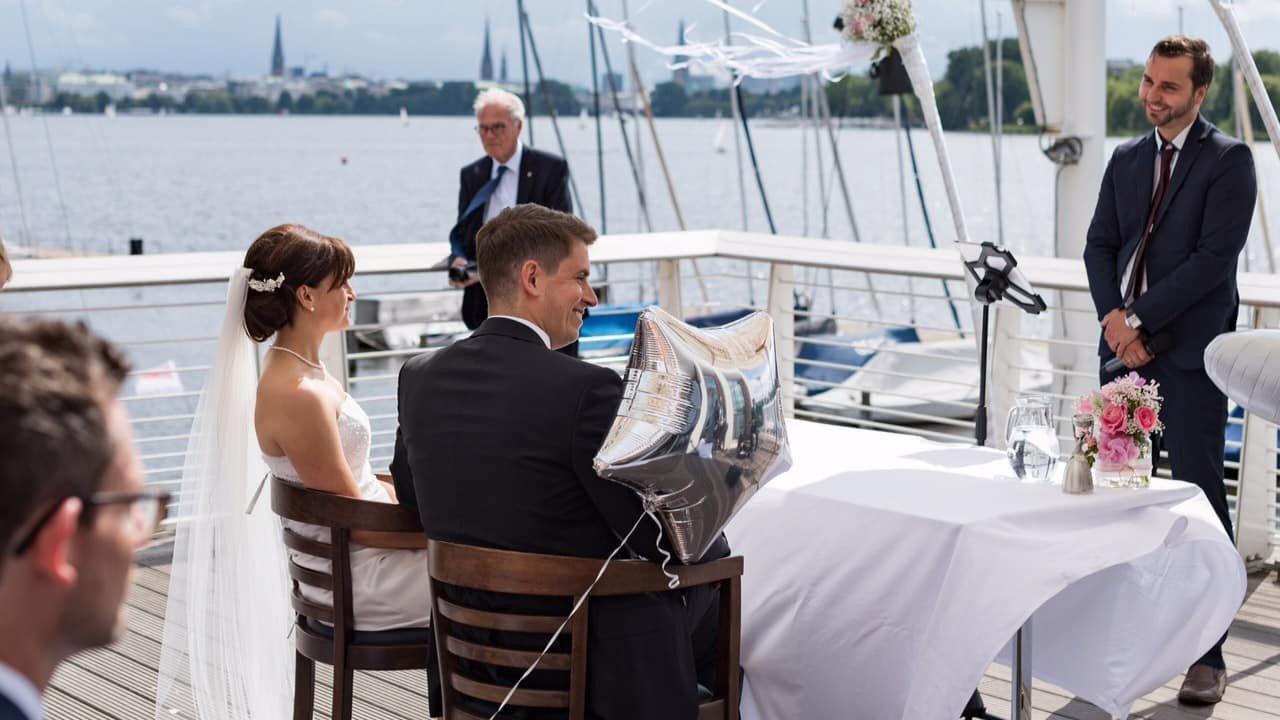 Freie Trauung im Hamburger Hafen – Hochzeit an der Alster