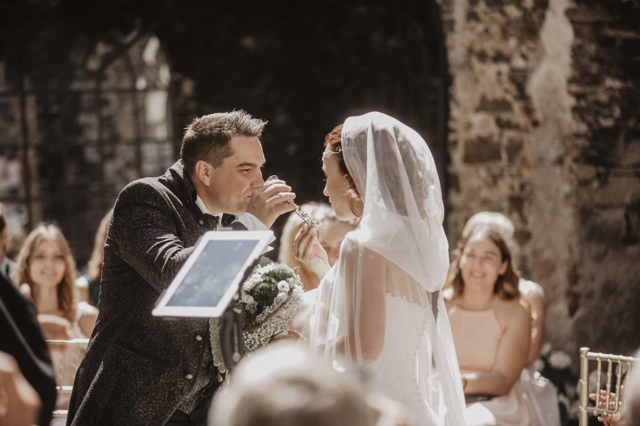 Herr Der Ringe Hochzeit 22 Rent A Pastor Com Hochzeitsredner
